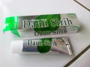 Pasta gigi daun sirih